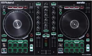 ¿Cuáles son las características de la controladora DJ Roland DJ-202?