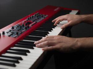 ¿Cuáles son las prestaciones del NORD PIANO 5?